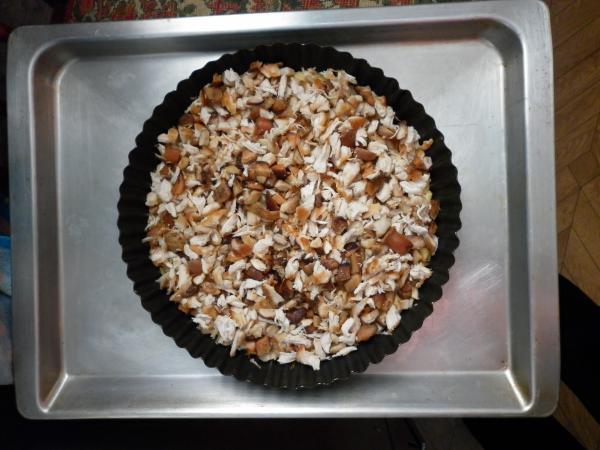 изображение Открытый пирог с курицей и грибами