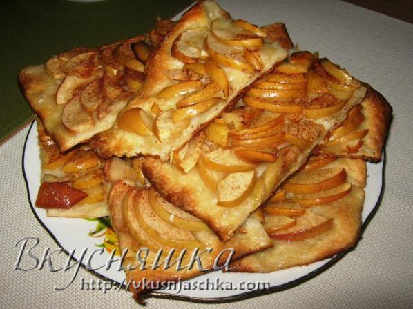 изображение Пирог с яблоками в духовке из слоеного теста рецепт с фото пошагово