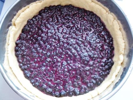 изображение Пирог с замороженной черникой