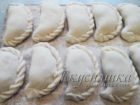 изображение Вареники с вишней замороженной рецепт с фото пошагово