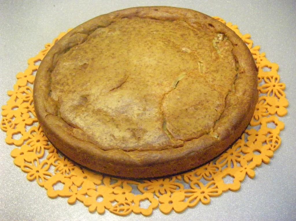 Пирог с рыбными консервами рецепт с пошагово