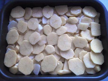 изображение Мясо по-французски из свинины с картофелем рецепт с фото в духовке