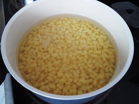 изображение Как сварить картошку в кастрюле