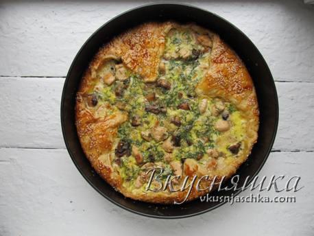 изображение Пирог из слоеного теста с курицей рецепт с фото