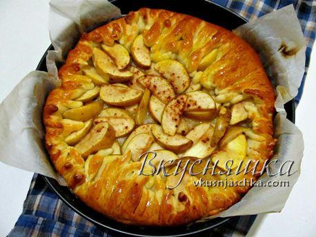 изображение Пирог с яблоками из дрожжевого теста в духовке рецепт с фото пошагово