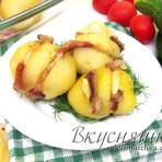 Картофель с беконом, запеченный в духовке