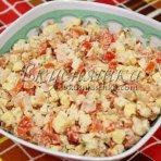 salat-iz-kopchenoj-kuritsy