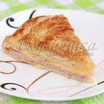 изображение Пирог с сыром из слоеного теста рецепт с фото