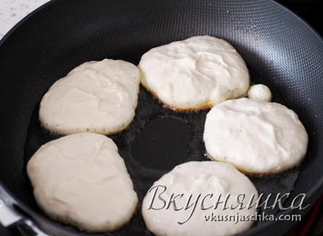 изображение Как приготовить оладьи на кефире пышные рецепт с фото пошагово